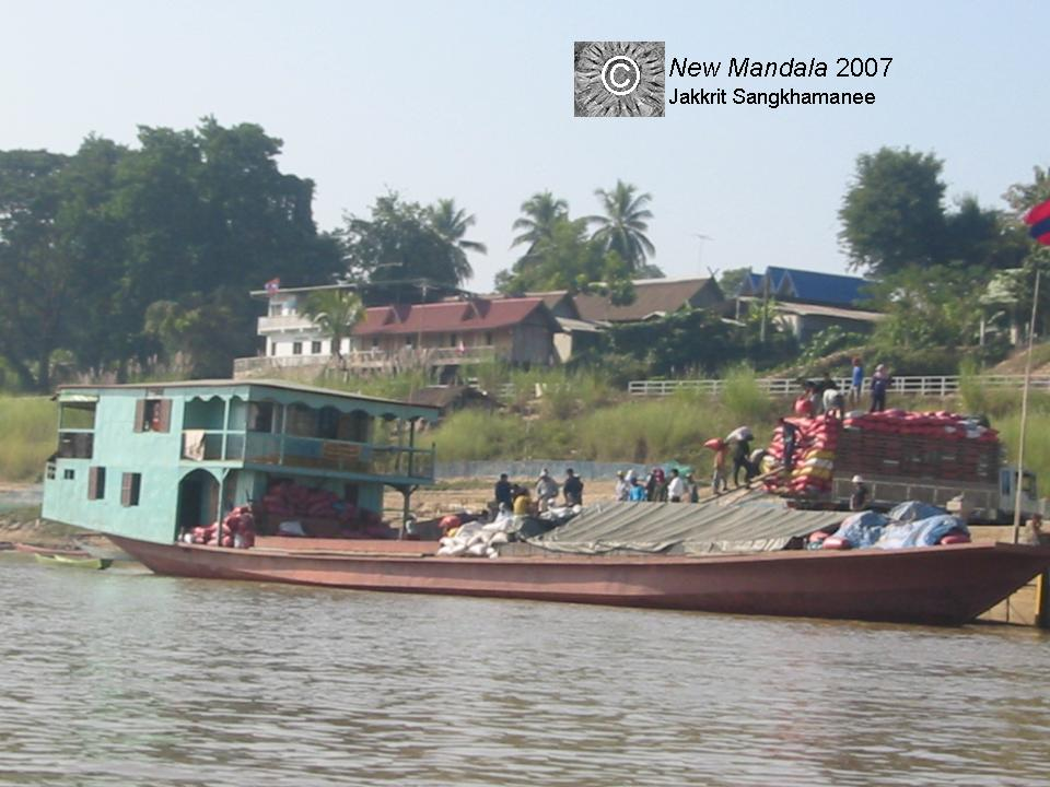 Lao river traders at home