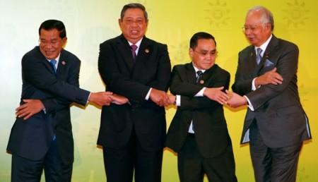 Hun Sen Najib