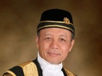 Tun-Ariffin-Zakaria
