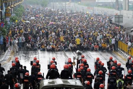 Police face-off Bersih protestors