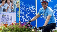 What 'Bike for Mom' reveals about ideas of motherhood in Thailand.