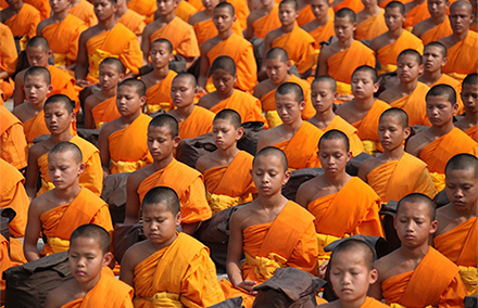 thailand-buddhists-440