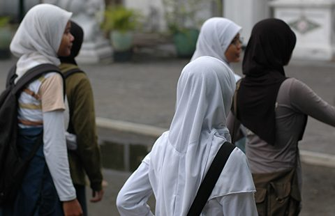 Indonesia-youngwomen-480