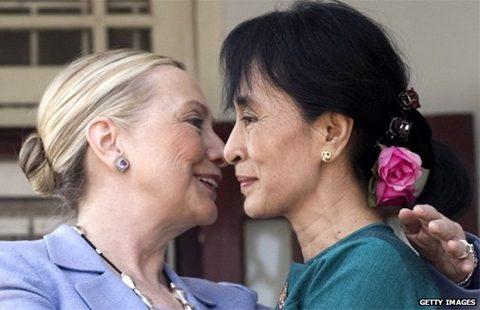 Clinton+SuuKyi-480