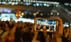 HKprotests-phone-flickr-1024