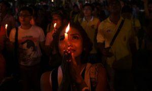thai-mourning-candlelight