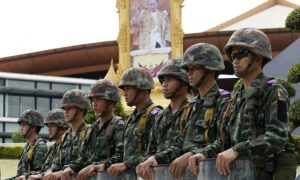 thai-soldiersbhumibol