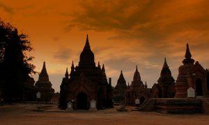 1024px-bagan_temples_at_sunset_myanmar_jan_2013_8583279559