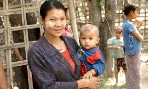 A Chin woman and child in Myanmar. Photo; Wikimedia commons